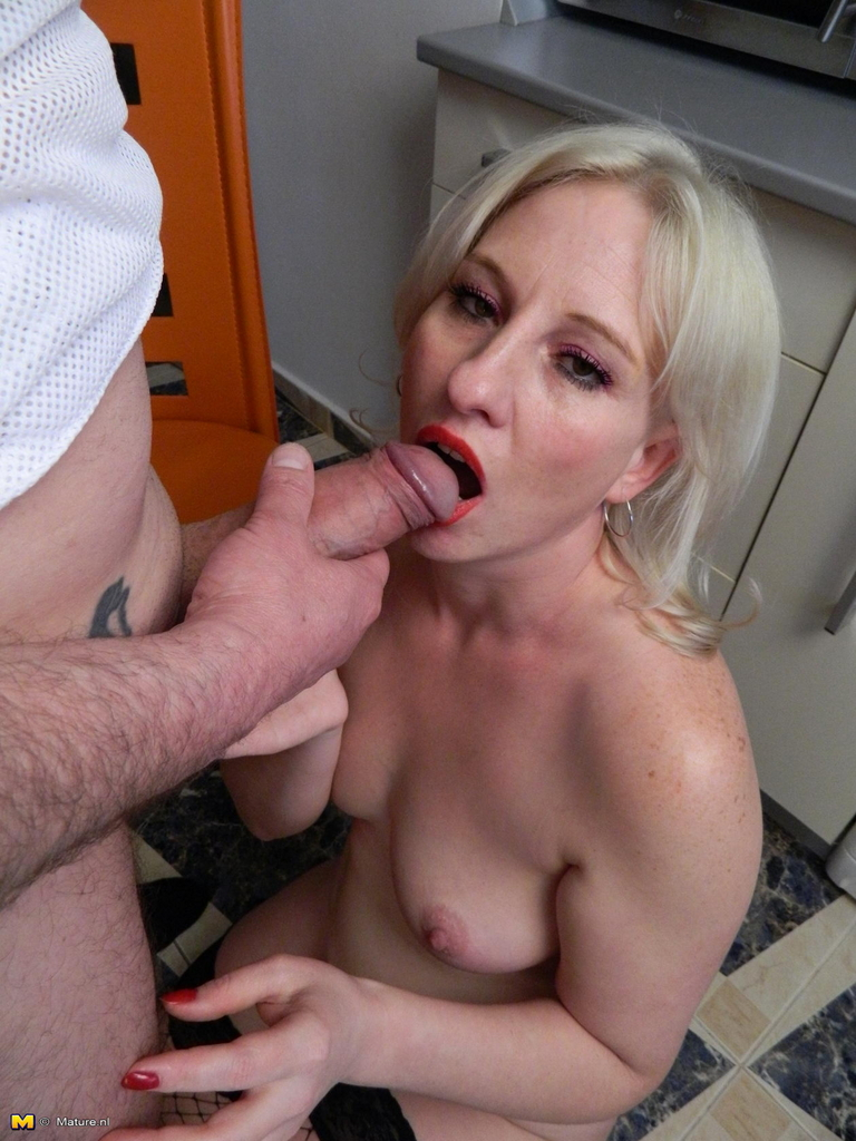 Czech Blonde Gets Busy Sucking Cock Intporn 1