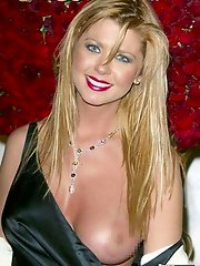 Nude pics of hot vamps Kate Moss and Tara Reid