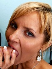 Anal loving blonde cougar has her asshole plundered at Anilos