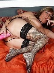 Horny mature slut getting dirty